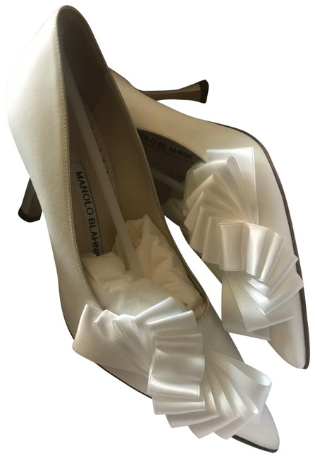 Item - Ivory Josima 90 Satin Pumps Size EU 35.5 (Approx. US 5.5) Regular (M, B)