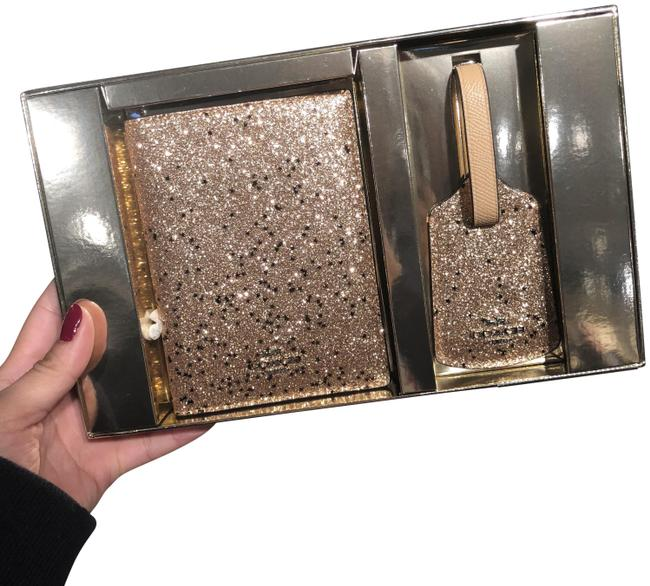 Item - Gold/Silver F38651 Boxed Travel Set Wallet