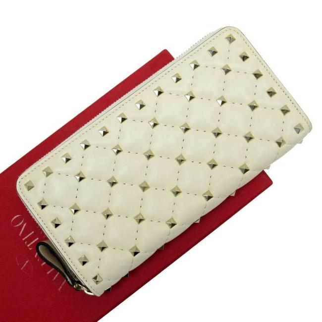 Item - Gold / Ivory Garavani Round Zipper Rock Stud Leather Wallet