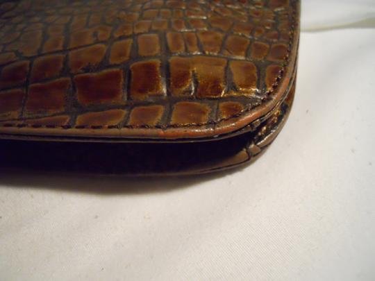 Preston & York Croc Leather Shoulder Os brown Clutch