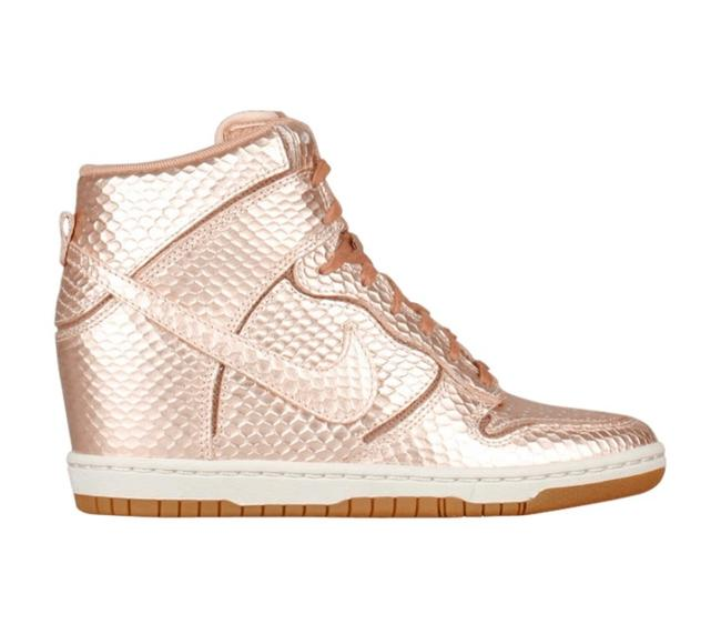 Item - Metallic Bronze Wmns Dunk Sky High Cut Out Premium Red Sneakers Size US 7.5 Regular (M, B)