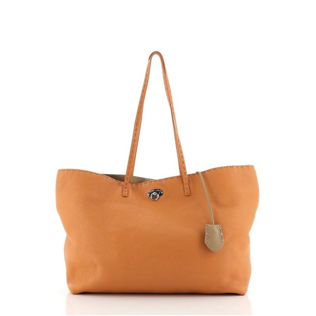 Item - Selleria Carla Medium Orange Leather Tote