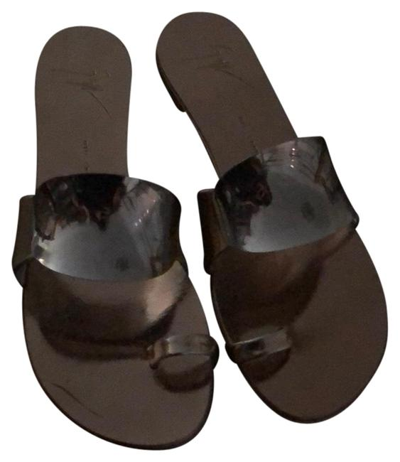 Item - Gold and Silver Sandals Size US 7.5 Regular (M, B)