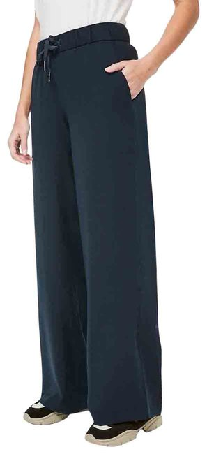Item - True Navy The Fly Wide Leg Woven Pants Size 6 (S, 28)