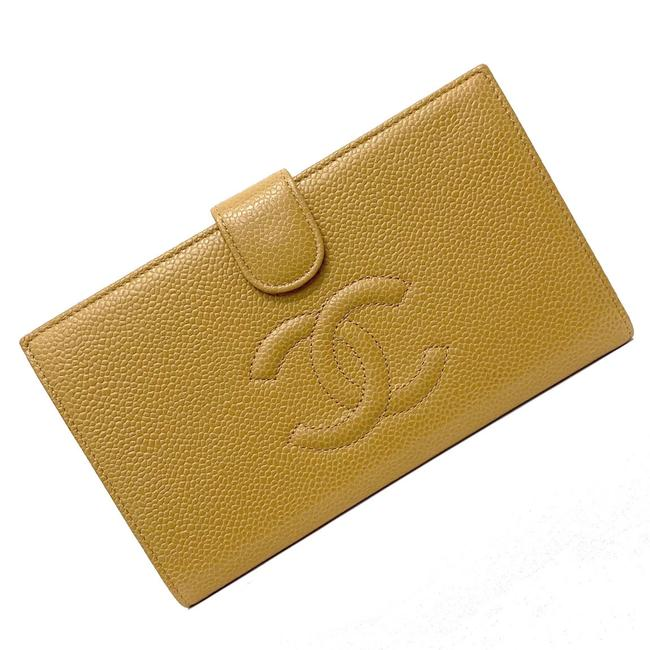 Item - Beige Bi-fold Caviar Skin Coco Mark A13498 Leather 10s Ladies Wallet