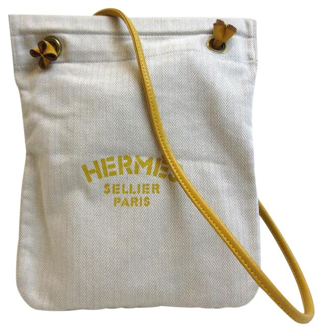 Item - Sack Arena Pm Leather Ivory / Yellow Canvas Shoulder Bag