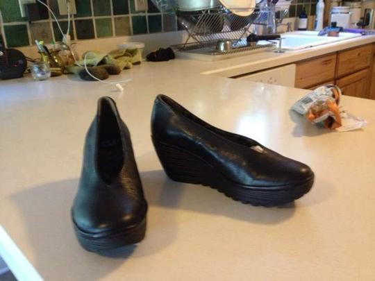 FLY London Stylish Great Priced Wedge Women's Women's Black Platforms