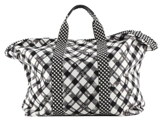 Item - Weekender Gingham Large Black Print White Canvas Tote