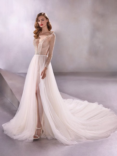 Item - Ivory/Nude Illusion Tulle Wandering Formal Wedding Dress Size 6 (S)
