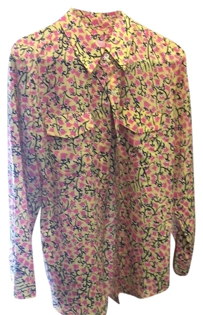 Preload https://item4.tradesy.com/images/lilly-pulitzer-top-yellowpinknavy-2827393-0-0.jpg?width=400&height=650