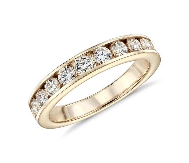 Item - 18k Yellow Gold 1.00ct Ladies Round Cut Channel Set Band Ring