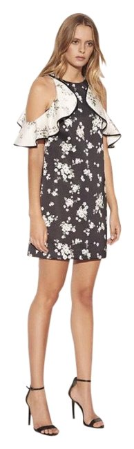 Item - Black and White Floral Ruffle Cold Shoulder Short Casual Dress Size 12 (L)