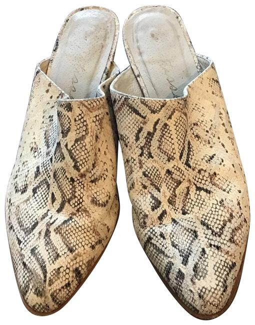 Item - Cream Natural Snake Embossed Clover Mules/Slides Size US 7.5 Regular (M, B)