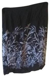 Old Navy Skirt Black Grey/blue Flowers