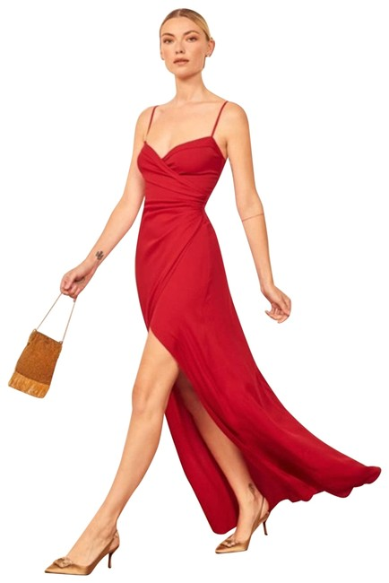 Item - Red Loire Maxi In Cherry Long Formal Dress Size 4 (S)