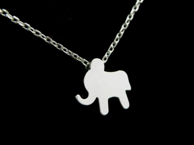 Item - Silver Elephant Charm Choker Necklace
