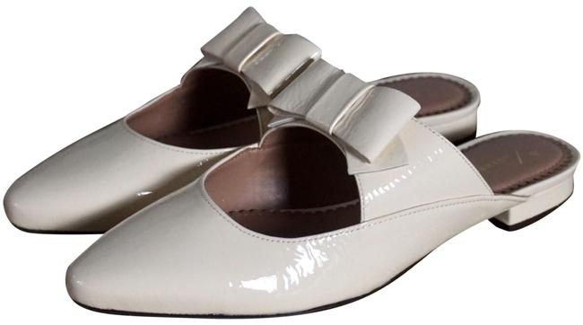 Item - Cream Laurie Leather Bow Slides New Flats Size US 8 Regular (M, B)