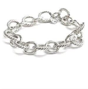 Item - Large Oval Link Bracelet