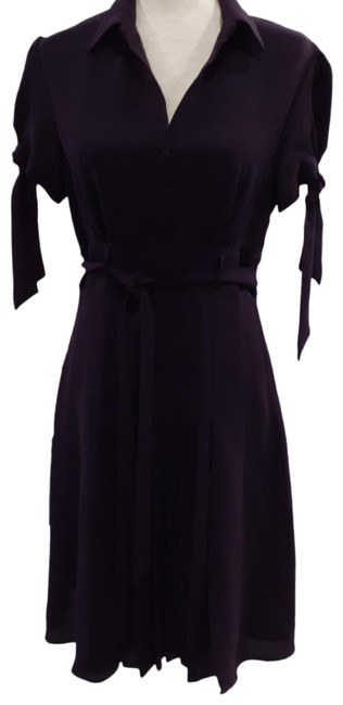 Item - Plum Pleated Front Short Sleeved with Ties Mid-length Work/Office Dress Size 8 (M)