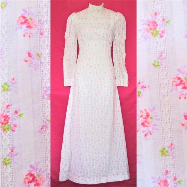 Item - White Cotton 1960s Victorian Small  Wedding Dress Size 6 (S)