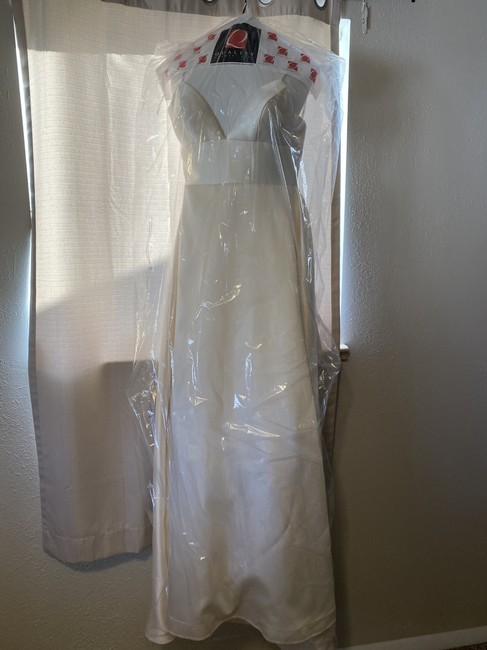 Item - Ivory Satin By Watters Opaline Ballgown Feminine Wedding Dress Size 4 (S)