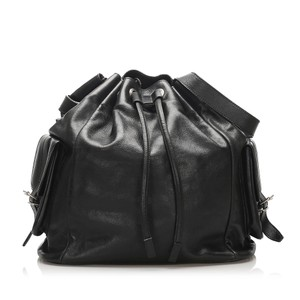 Item - Saint Laurent Bucket Drawstring Black Leather Shoulder Bag