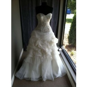 Allure Bridals C164 Wedding Dress