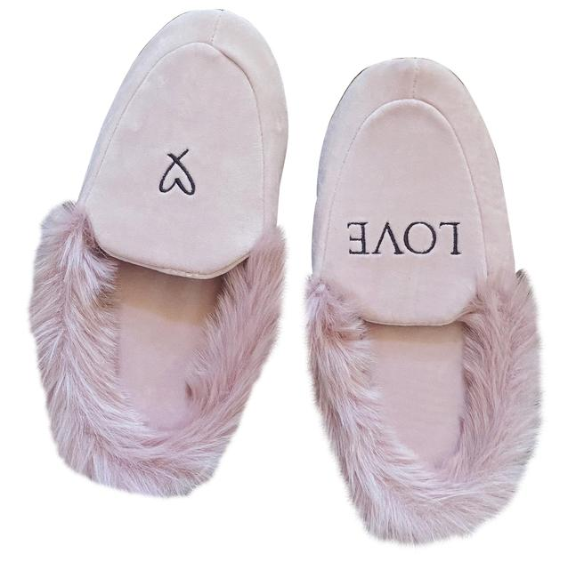 Item - Dusty Pink Cozy Slippers Sandals Size US 8 Regular (M, B)