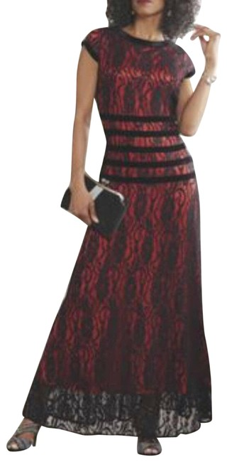 Item - Red Evening Ball Gown Blood Formal Dress Size 8 (M)