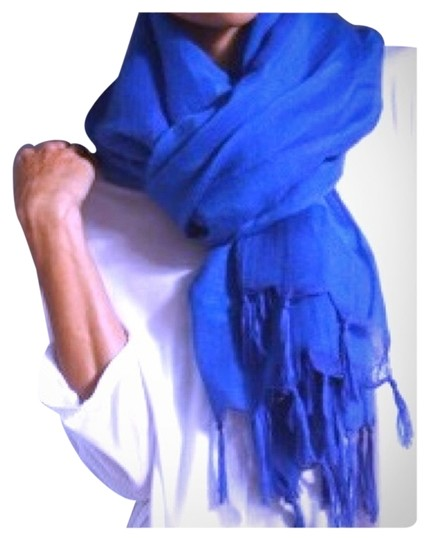 Preload https://item1.tradesy.com/images/love-quotes-royal-blue-love-quotes-scarf-2831200-0-0.jpg?width=440&height=440