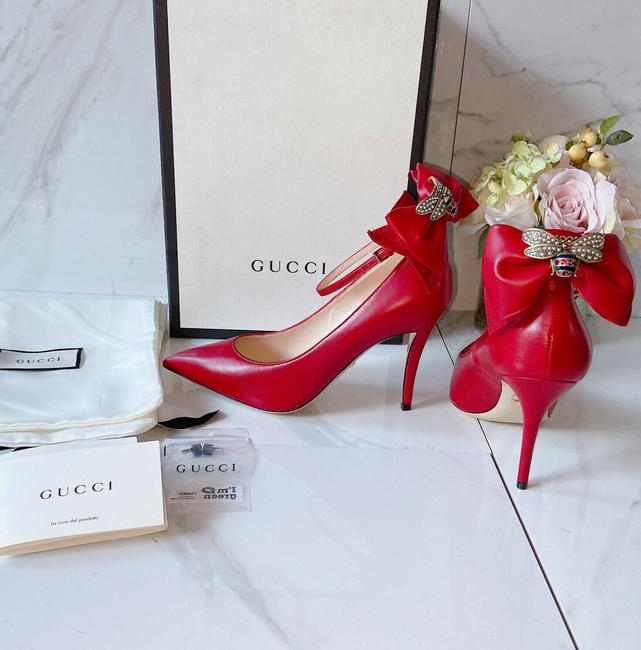 Item - Red Queen Leather Pointed Toe Ankle Strap Bow Bee Embellish Pumps Size US 5.5 Regular (M, B)