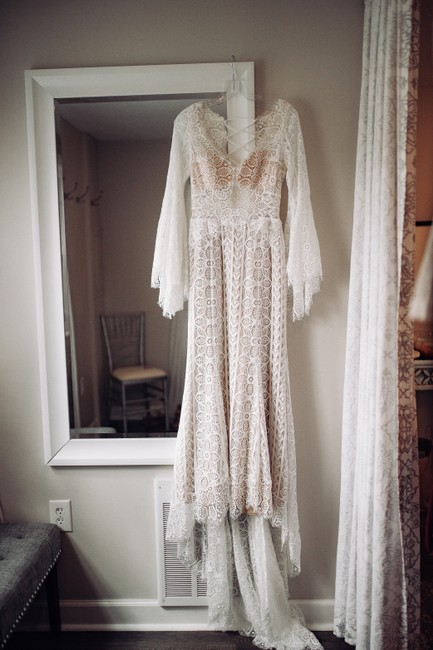 Item - Ivory & Almond Mostly Delicate Lace Adelaide Modern Wedding Dress Size 2 (XS)