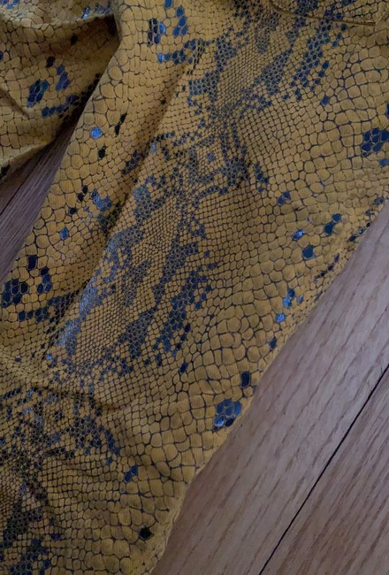 7 For All Mankind Yellow Coated Snakeskin Skinny Jeans Size 0 (XS, 25) 7 For All Mankind Yellow Coated Snakeskin Skinny Jeans Size 0 (XS, 25) Image 5