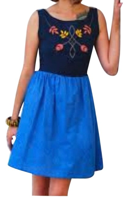 Item - Blue Embroidered Short Casual Dress Size 6 (S)