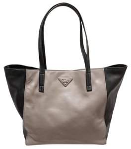 Prada Argilla Nero Soft Calf Leather Shopping Shopping Handbag Tote in Gray/Black
