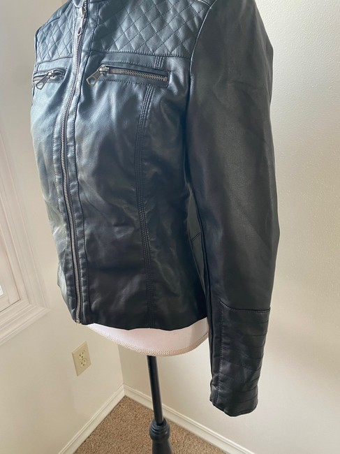 Baccini Black Faux with Quilted Shoulder Patches Jacket Size 8 (M) Baccini Black Faux with Quilted Shoulder Patches Jacket Size 8 (M) Image 3