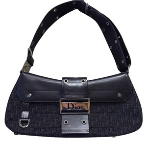 Dior Clutches - Up to 90% off at Tradesy 6e36a265358e0