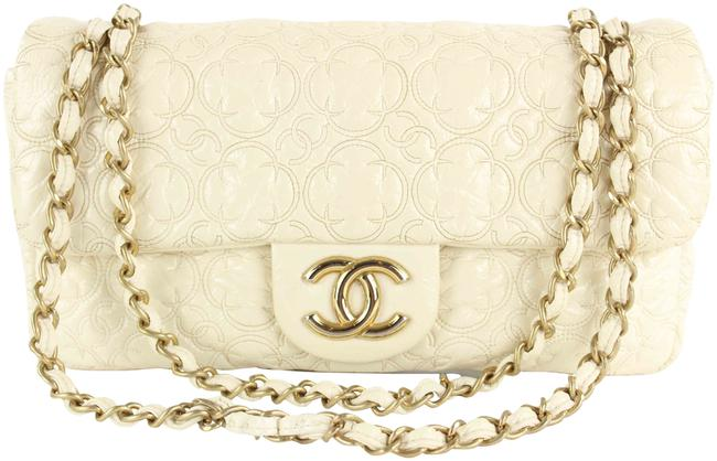 Item - Handbag Classic Flap Quilted Flower Embossed Medium Gold Chain 862116 Cream Patent Leather Shoulder Bag