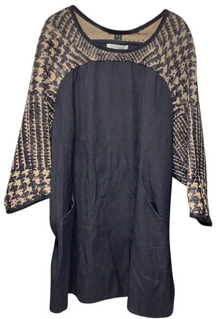 Item - Tunic Mid-length Cocktail Dress Size 6 (S)