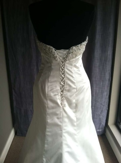 Maggie Sottero Diamond White Satin Brooke Wedding Dress Size 4 (S)