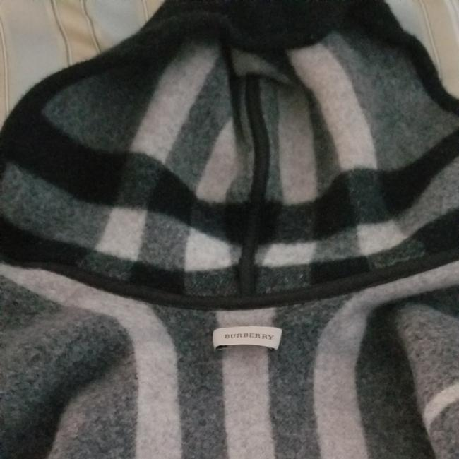 Item - Black with Grey White Plaid Stripes Cropped Caplet Poncho/Cape Size OS (one size)