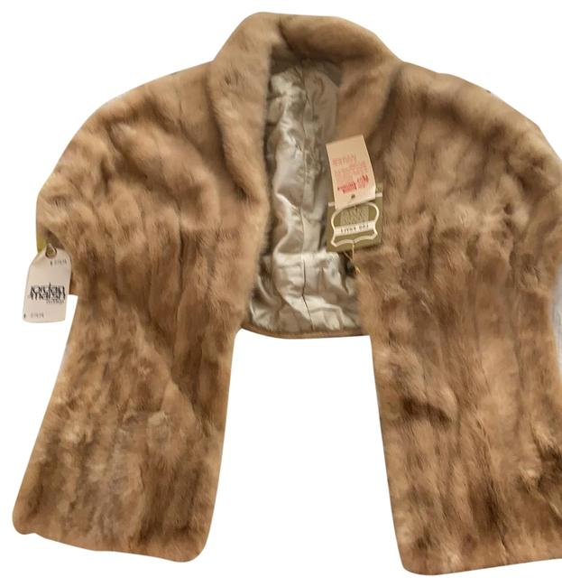 Item - Beige/Gray Interior Cropped Coat Size OS (one size)