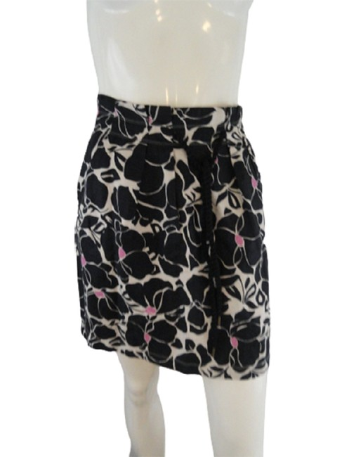 Ann Taylor Black Pink Cream. Loft Floral and 00p Sku0 Skirt Size OS (one size) Ann Taylor Black Pink Cream. Loft Floral and 00p Sku0 Skirt Size OS (one size) Image 1
