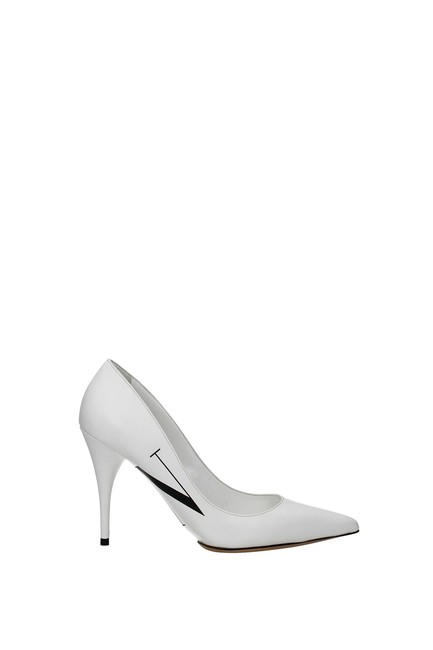 Item - Garavani White Women Pumps Size EU 39.5 (Approx. US 9.5) Regular (M, B)