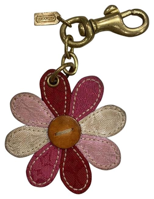 Item - Pink Daisy Flower Key Chain