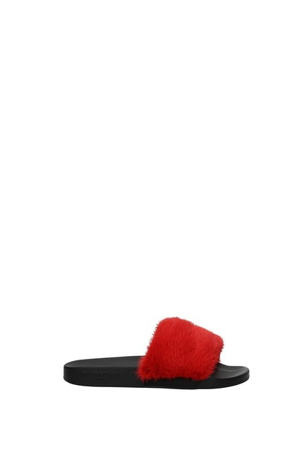 Item - Red Slippers and Woman Mules/Slides Size EU 39 (Approx. US 9) Regular (M, B)