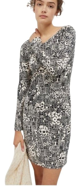 Item - Black & Ivory Imani Floral Print Long Sleeve Short Casual Dress Size 0 (XS)