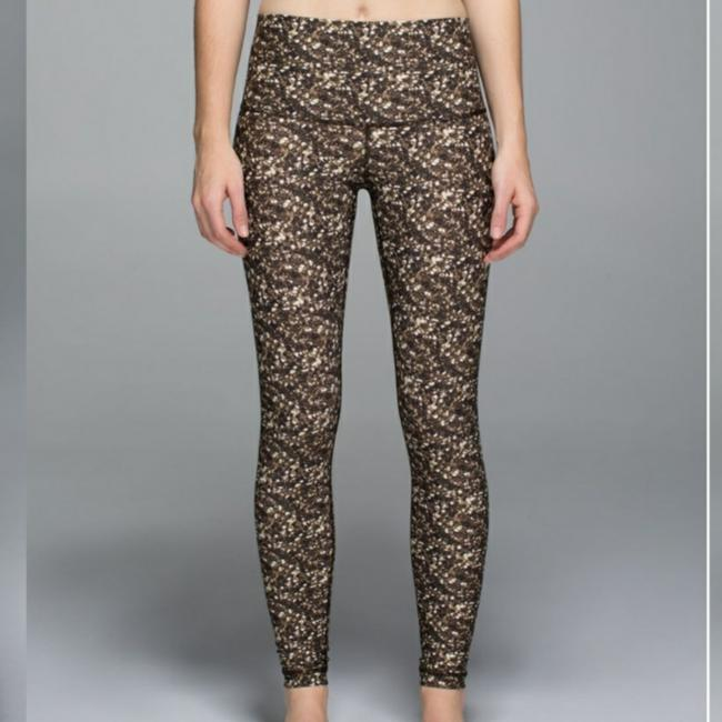 Item - Gold Shine Tight Roll Down Activewear Bottoms Size 4 (S, 27)