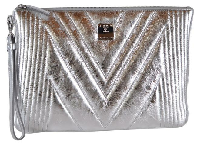 Item - New Quilted Metallic Wristlet Purse Silver Leather Clutch