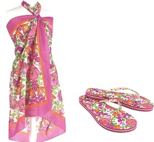 VERA BRADLEY NEW VERA BRADLEY LILLI BELL SARONG/COVER UP & MATCHING FLIP FLOPS IN SIZES S OR M